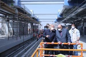 وزير النقل ومحافظ القاهرة يتفقدان المرحلة الرابعة بالخط الثالث