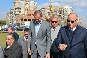 محافظ القاهرة ووزيرة البيئة يتفقدان أعمال التطوير الجارية بميدان تريومف