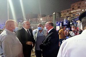 جولة تفقدية لمحافظ القاهرة ومتابعة عمليات إصلاح طفح الصرف الصحى على طريق النصر
