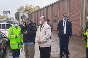 محافظ القاهرة يتفقد عدد من أحياء العاصمة للإشراف على عمليات شفط مياه الأمطار