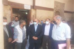 محافظ القاهرة يتفقد أعمال التطوير بحي السيدة زينب