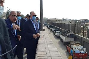 محافظ القاهرة يتفقد أعمال إزالة سوق التونسي القديم بحي الخليفة