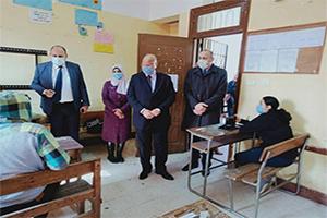 محافظ القاهرة يتفقد إمتحانات الترم الأول للصفين الأول والثاني الثانوي