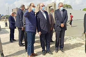 محافظ القاهرة يتفقد أعمال نقل وتسكين الباعة بسوق التونسي الجديد بالبساتين